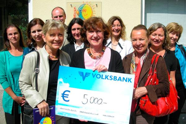 Die Frauen des Innerwheel Clubs spenden 5000 Euro