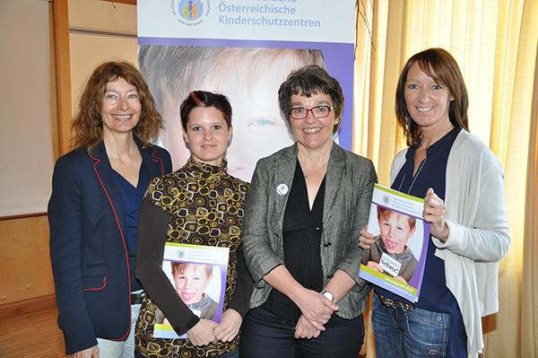 Gruppenfoto - F Karin Hüttemann, Susanne Ebner Kinderschutz Lienz, Vorsitzende Adele Lassenberger Delfi Wolfsberg, Janette Burgstaller, Kinderschutz Lienz