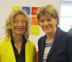 Karin Hüttemann mit Christine Oppitz-Plörer