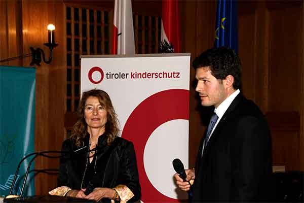 Gruppenbild mit Karin Hüttemann