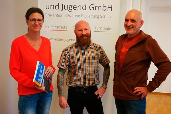 Horst Lehner übergibt sein neues Fachbuch