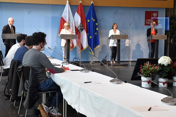 Die Pressekonferenz zu Schulöffnung und Schulsozialarbeit verlief unter Einhaltung der entsprechenden Schutz- und Hygienemaßnahmen